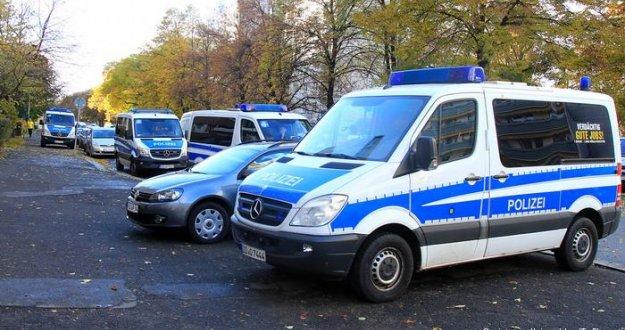 Berlin'de 13 yaşındaki çocuk bıçaklanarak öldürüldü