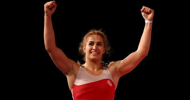 Avrupa Güreş Şampiyonası'nda Buse Tosun altın madalya kazandı