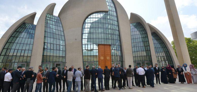 Genel Başkan Türkmen, DİTİB personeli ile bayramlaştı