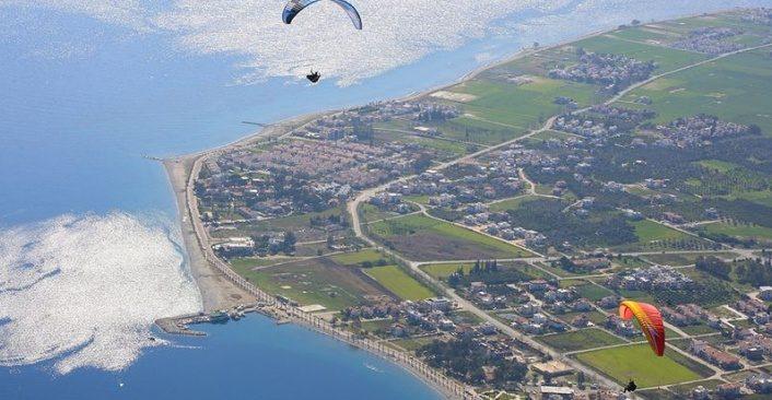 'Paraşüt tutkunları Alatepe'de gökyüzüyle buluşuyor'