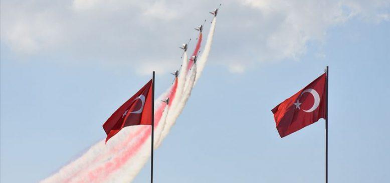Türk Yıldızları 'Büyük Taarruz' için uçtu