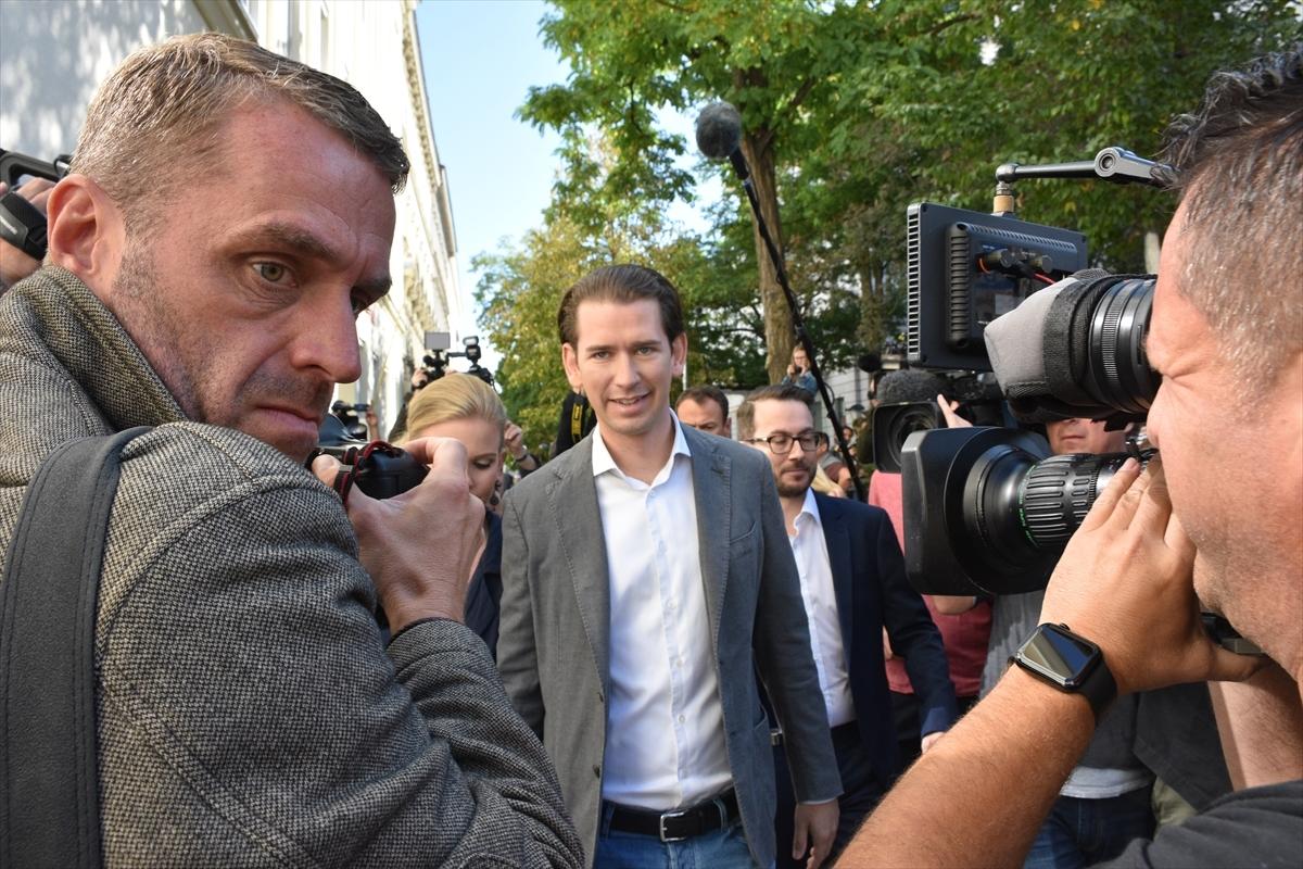 Avusturya'da seçimi sağcı  Sebastian Kurz kazandı