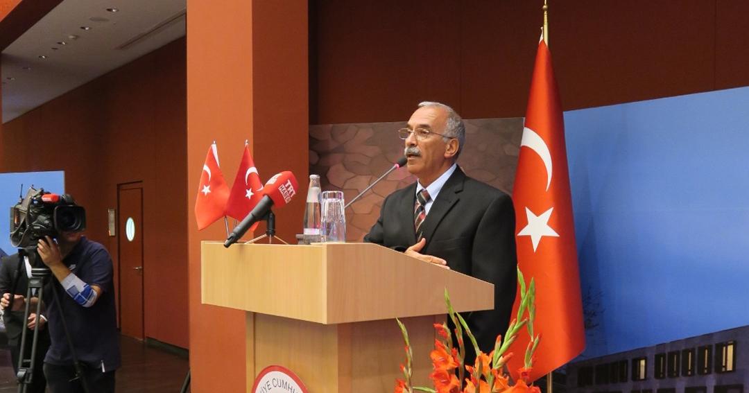 """Türkiye'nin Berlin Büyükelçiliğinde """"aşure sofrası"""""""