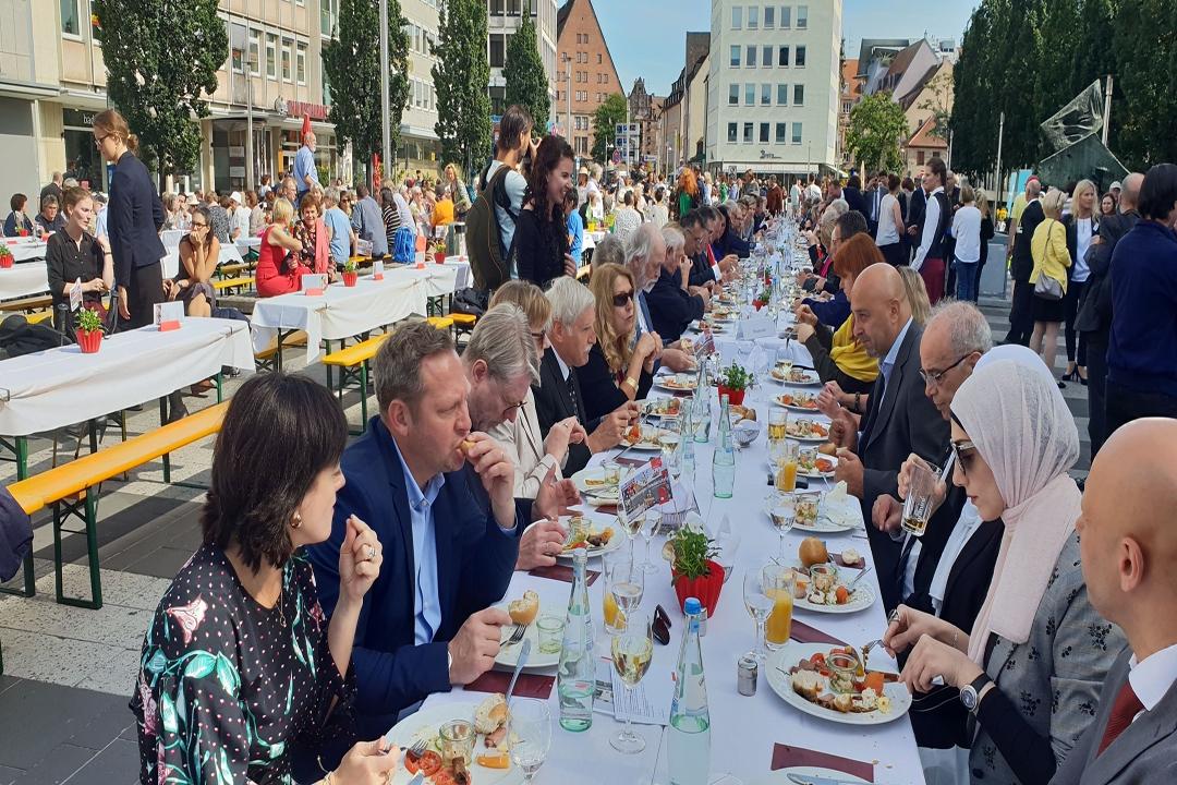 Nürnberg'de barış sofrası kuruldu