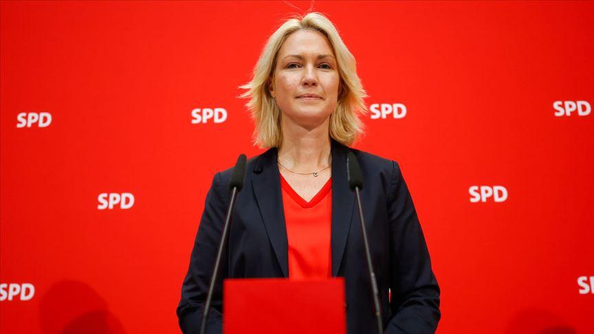 Manuela Schwesig SPD genel başkanlığından ayrıldı