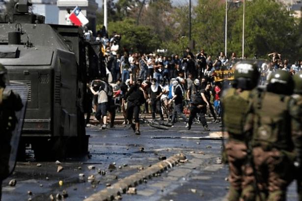 Şili Devlet Başkanı Pinera, kabinenin istifasını istedi