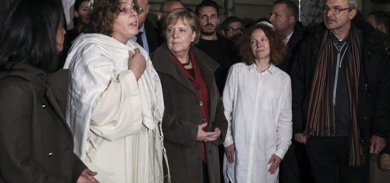Angela Merkel, Berlin'deki Yeni Sinagog'u ziyaret etti