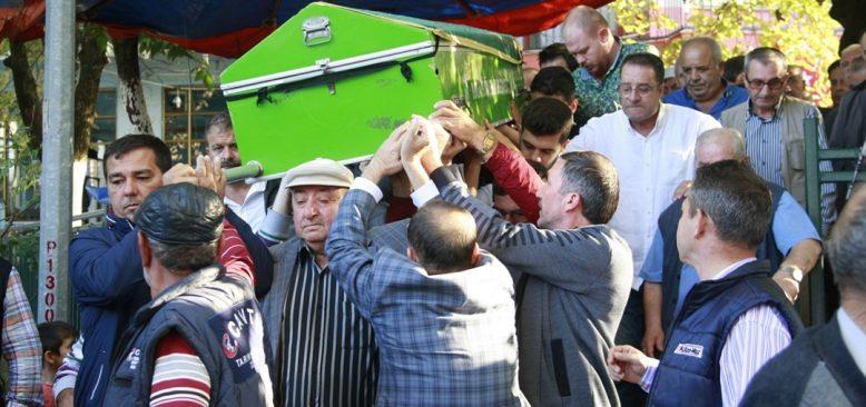 Almanya'da ölü bulunan Türk genci toprağa verildi
