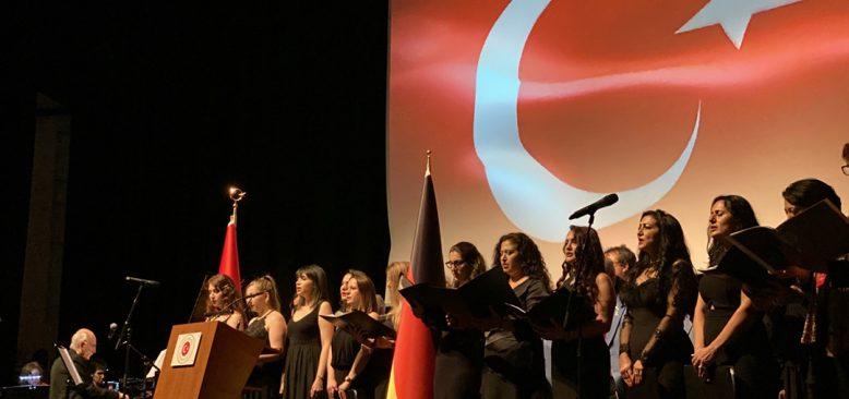 Köln`de Cumhuriyet Bayramı coşku ile kutlandı