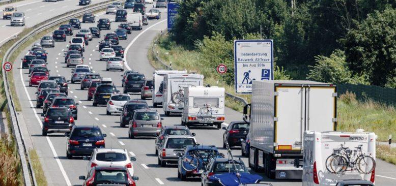Almanya'da TIR Kazası mı Terör Saldırısı mı?