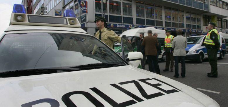 Almanya'da Türk Cami ve İş Yerlerine Saldırılar