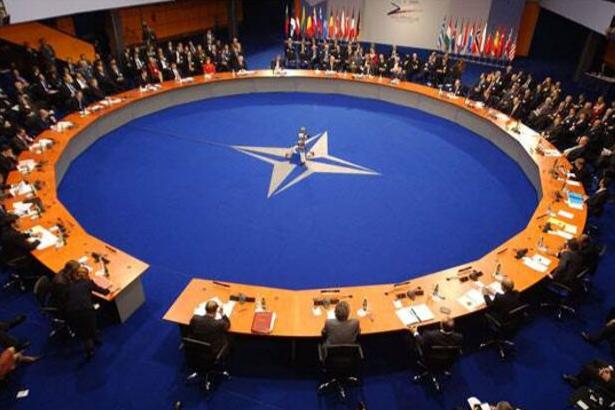 Almanya'dan NATO'yu etkileyecek karar: ABD ile aynı katkıyı verecek