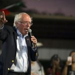 Bernie Sanders Hastaneye Kaldırıldı