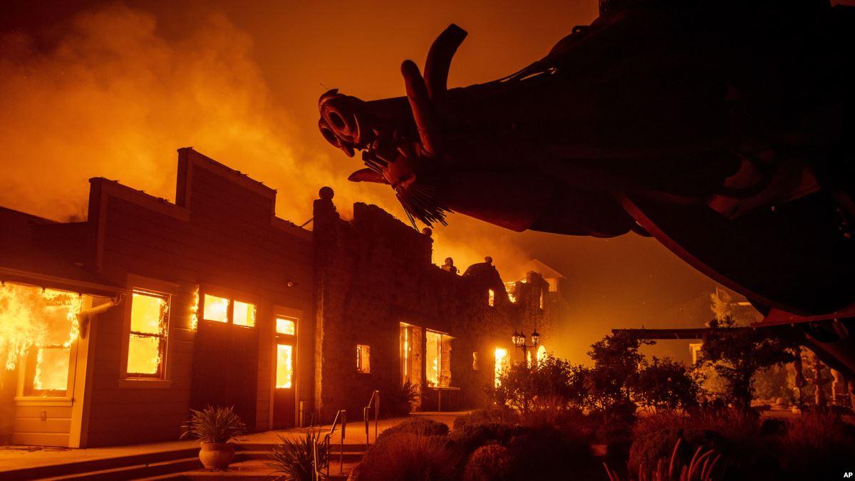 California'da Yangınlar Nedeniyle Yeni Tahliye Emri