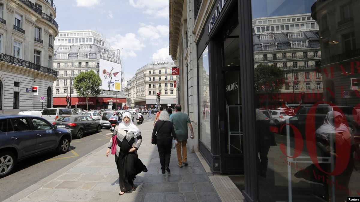 Türban Tartışması Fransa'yı Böldü
