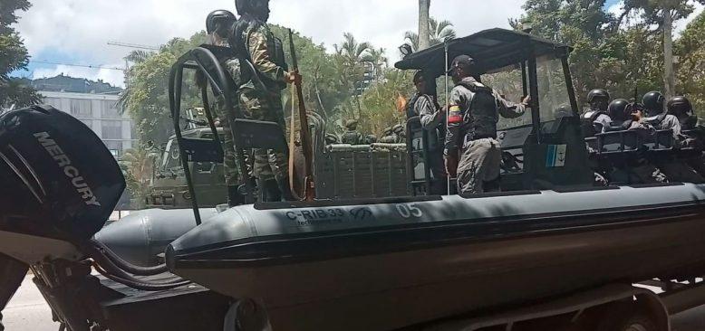 Venezuela Ordusu Kolombiya Sınırında Tatbikatlarını Sürdürüyor