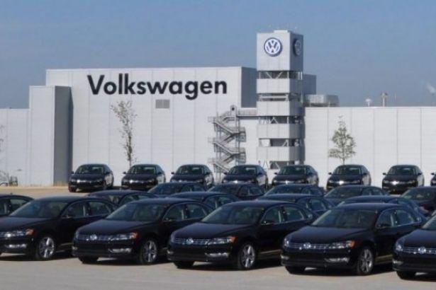 Volkswagen'ın faaliyet karı geçen yıl yaklaşık yüzde 50 düştü