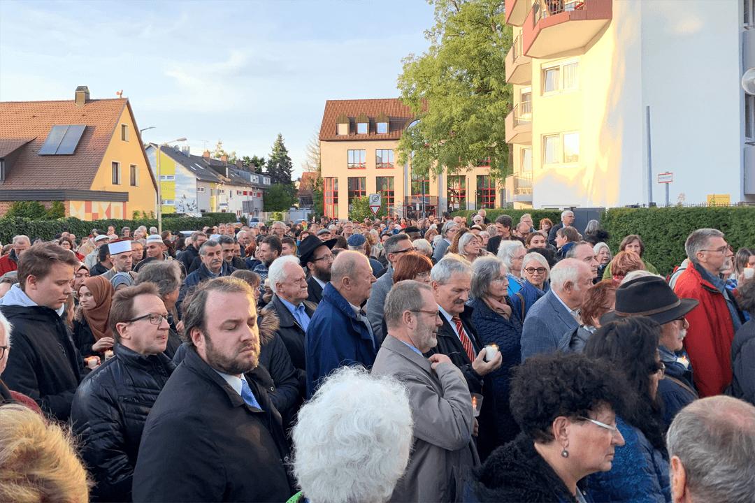 Türk Toplumu'ndan Musevi Cemaati ile Dayanışma