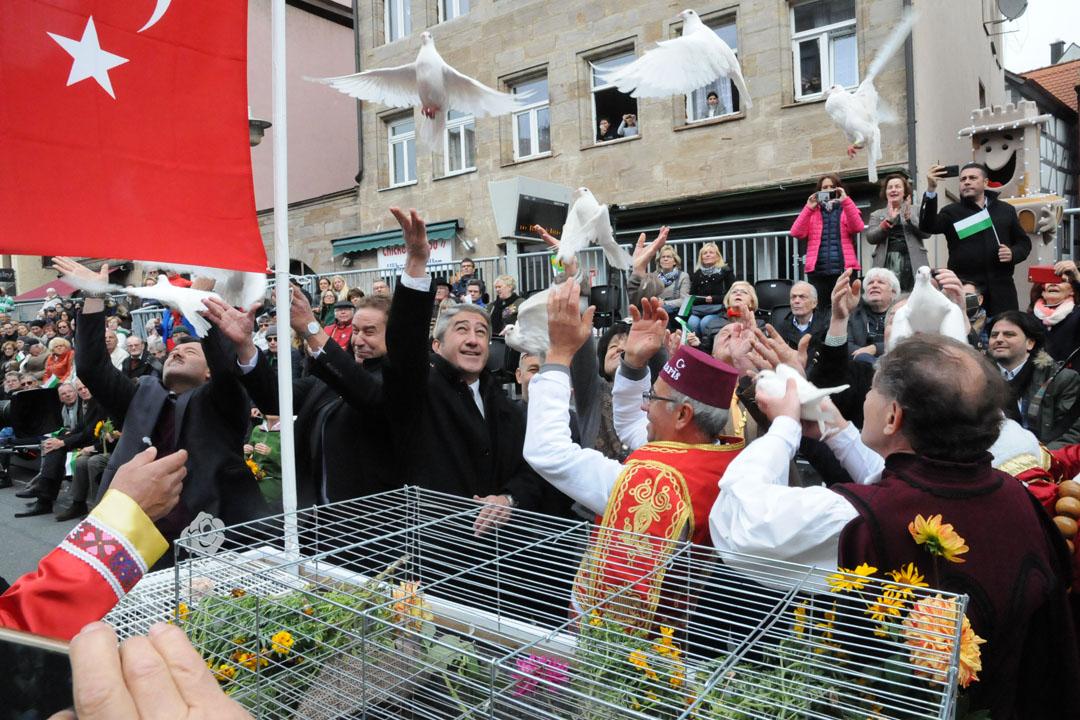 Almanya Fürth'de alkışlandık