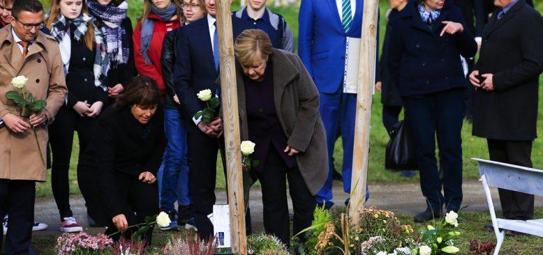 Merkel'den NSU kurbanları anıt parkına ziyaret
