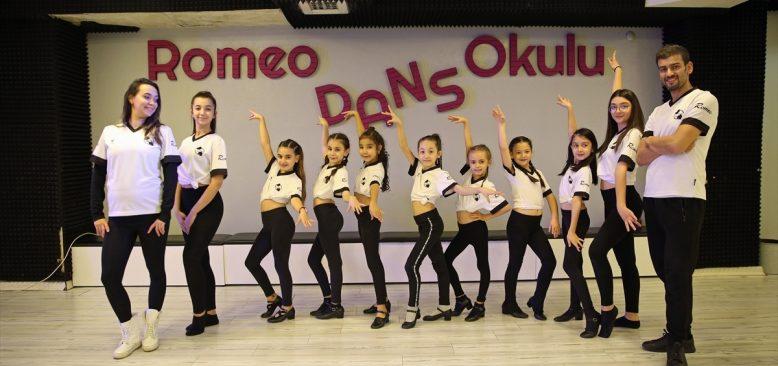 Minik dansçılar ve babaları yeteneklerini Almanya'da sergileyecek