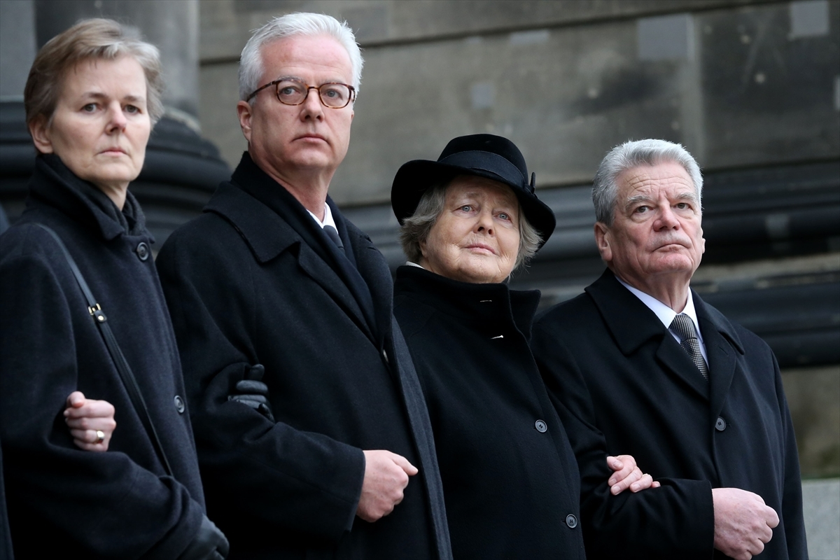 Almanya'da eski cumhurbaşkanının oğlu öldürüldü