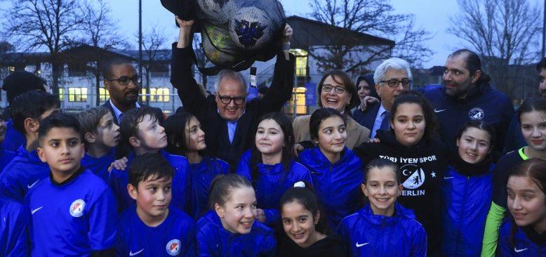 Almanya Futbol Federasyonundan ırkçılığa taviz yok