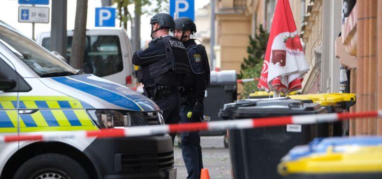 Almanya'da IŞİD Operasyonunda İkisi Türk Üç Kişi Gözaltına Alındı