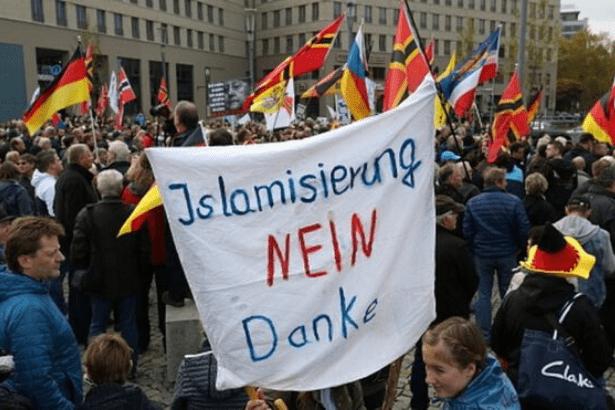 Almanya'nın Dresden kentinde 'Nazi olağanüstü hâli' ilan edildi