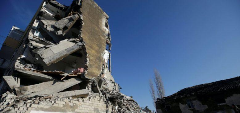 Arnavutluk 6,4 Büyüklüğünde Depremle Sarsıldı