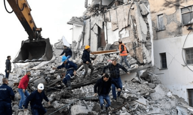 Arnavutluk depreminde ölü sayısı 40'a çıktı
