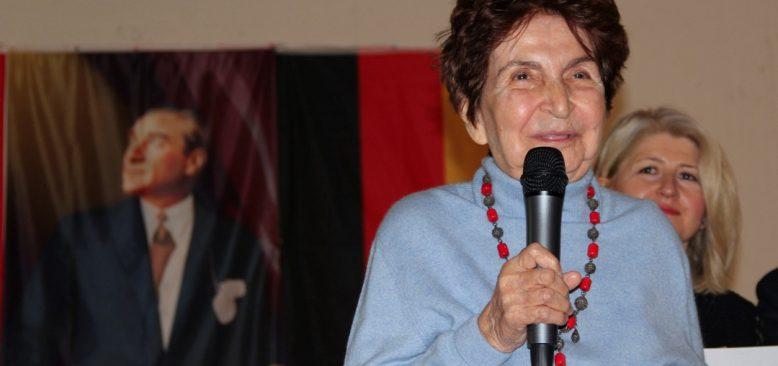 Essen'deki Cumhuriyet Bayramı'nda Bir Canlı Tanık