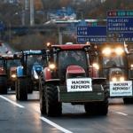 Fransız çiftçilerden traktörlü eylem