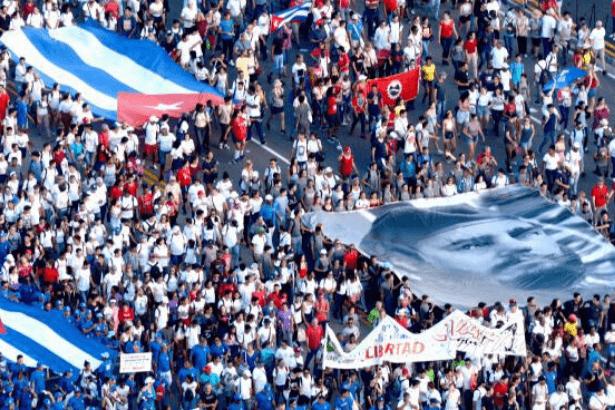 Küba ABD ablukasını bir kez daha mahkum ettirdi