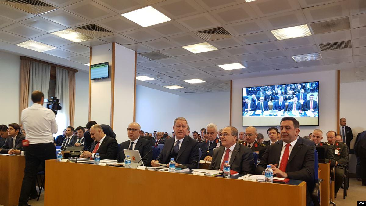 Savunma Bütçesi Komisyonu'nda Milli Tank-Palet Tartışması