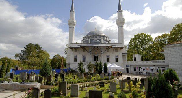 Berlin Şehitlik Camisi'ne bombalı saldırı tehdidi