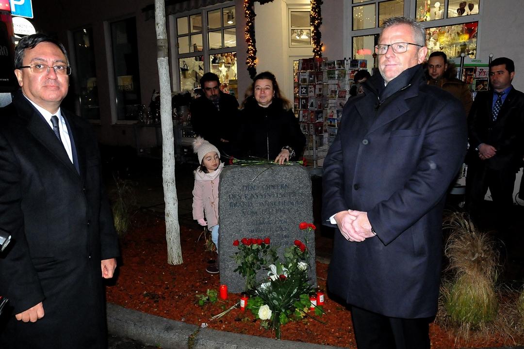 Almanya'da aşırı sağın ilk Türk kurbanları anıldı