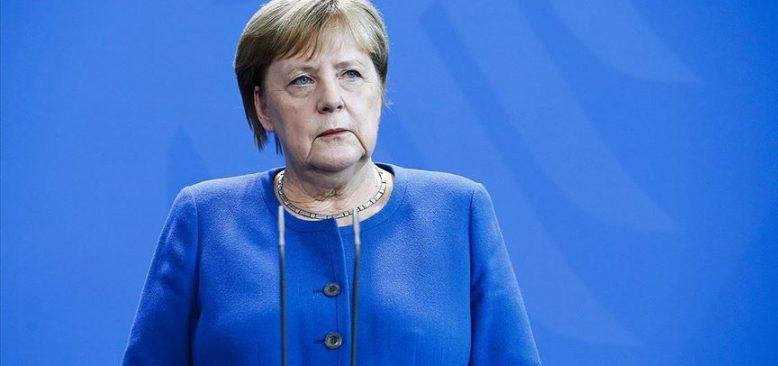 Merkel'in İsrail'in solunum cihazı talebini reddettiği öne sürüldü