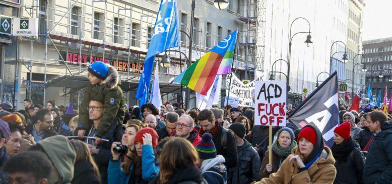 Berlin Neukölln semtindeki Neo Nazi saldırılar kınandı