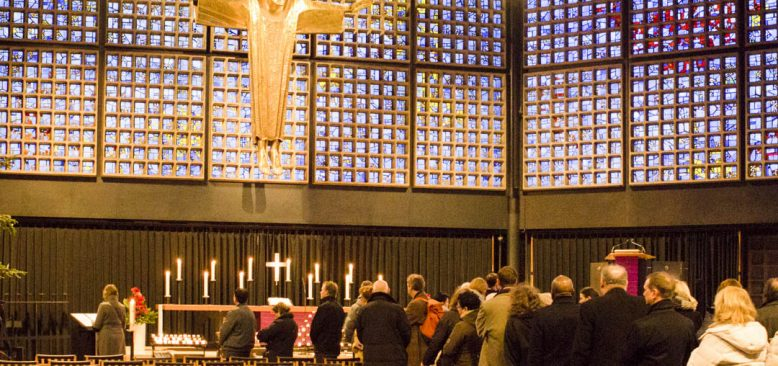 Berlin`de Noel Pazarı katliamı kurbanları anıldı