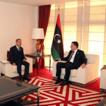 Milli Savunma Bakanı Akar UMH lideri Serrac'la görüştü