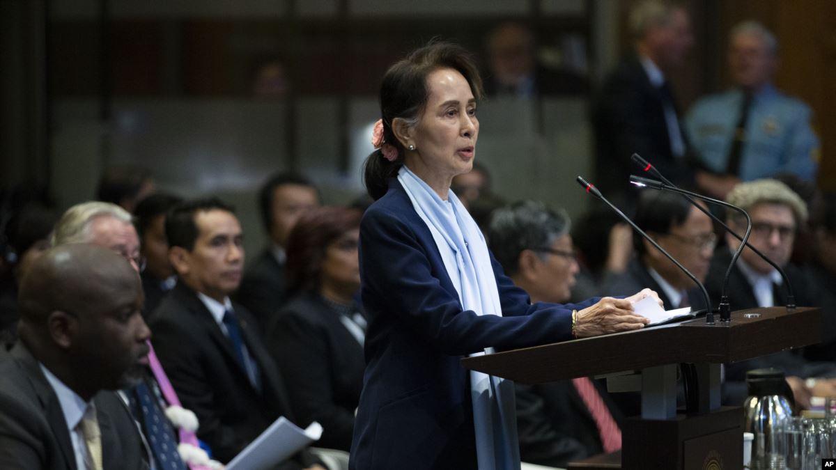 Myanmar'ın Nobel Barış Ödüllü Lideri Soykırım İddialarını Reddetti