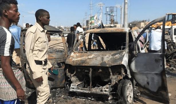 Somali'de bomba yüklü araç saldırısı: En az 20 kişi öldü