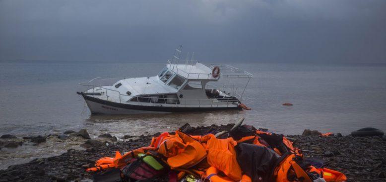 Van Gölünde Sığınmacı Teknesi Battı 7 Ölü