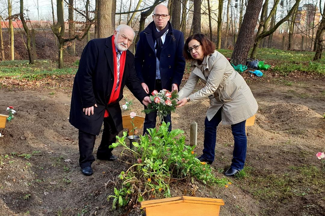 SPD heyetinden Müslüman mezarlığına ziyaret