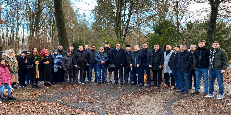 Türk sivil kuruluşları Müslüman mezarlığını ziyaret ettiler