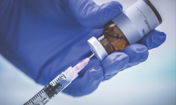 İlk Ebola aşısı onaylandı