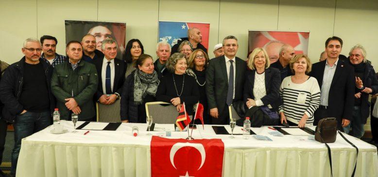 """""""AKP hem ülkeyi hem de kendini tüketti"""""""