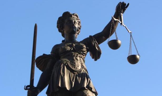 Almanya Anayasa Mahkemesi 'Türkiye hukuksuz, gönderilmesin' dedi