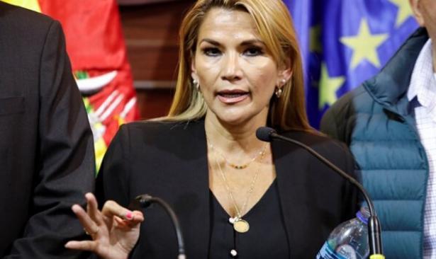 Bolivya'da darbe hükümetinin görev süresini uzatan tasarı onaylandı
